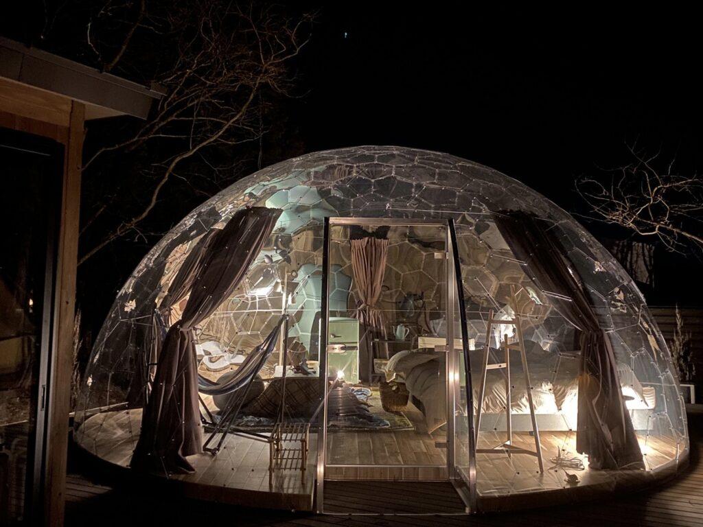 夜のクリアドームテント